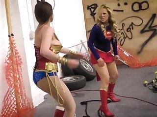 Super vs Wonder