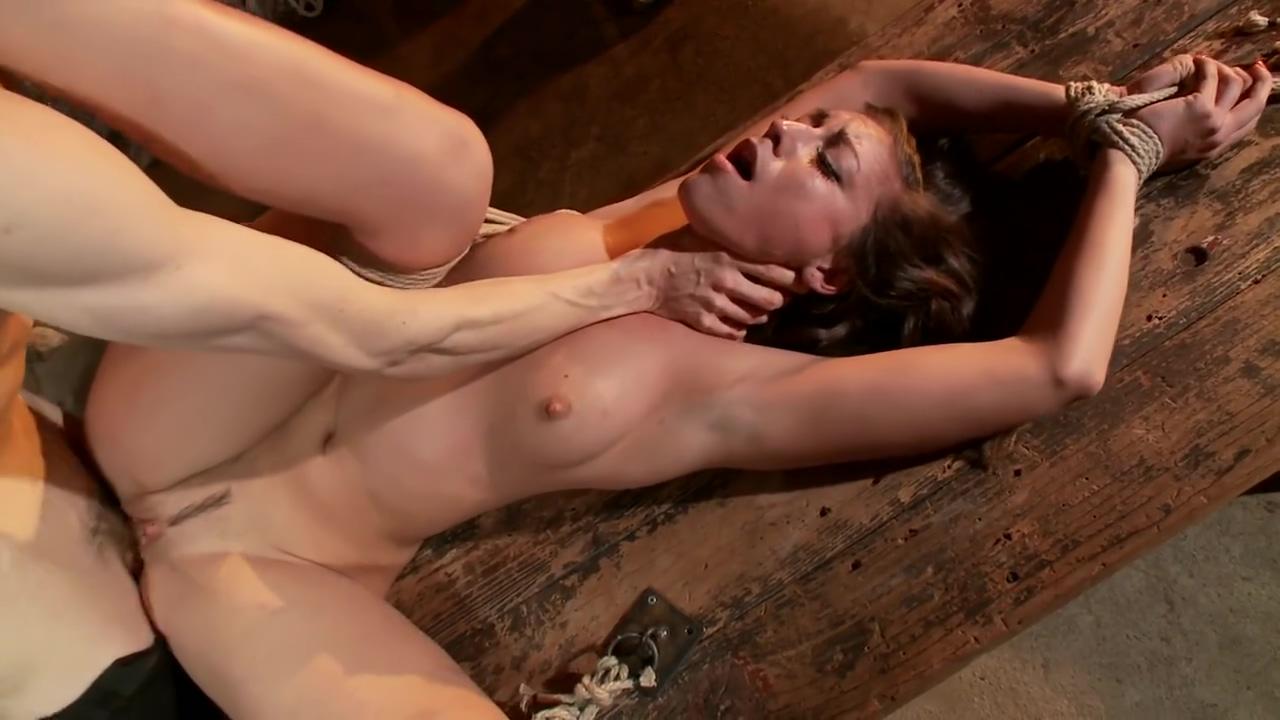 Rilynn Rae bondage