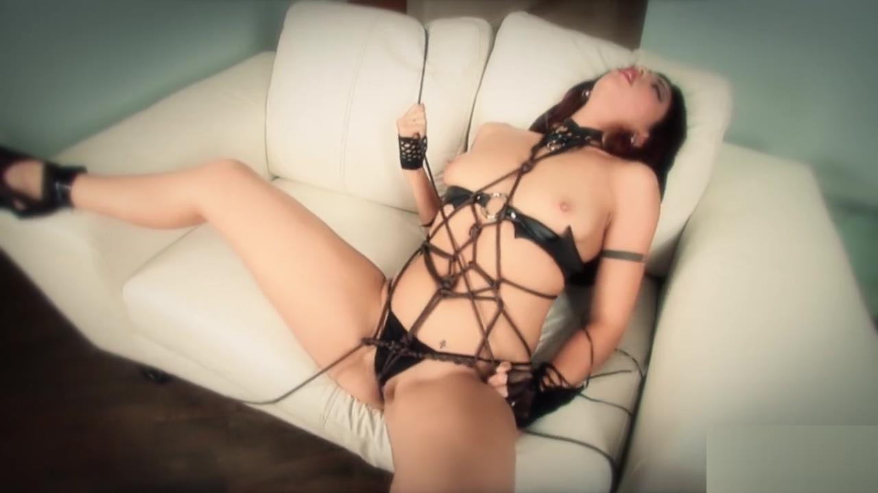 sexy satine phoenix self bondage and has multiple orgasms