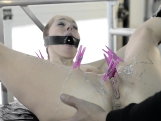 BDSM squirting and drinking