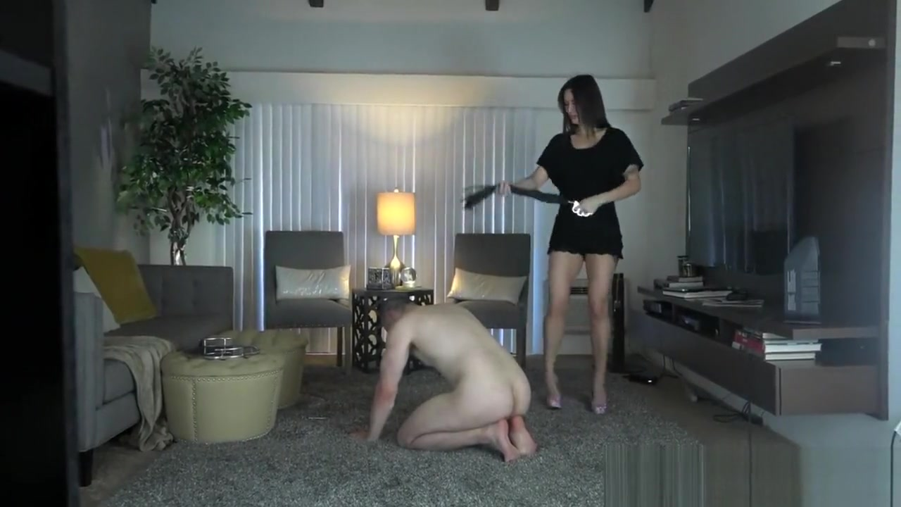 goddess harley - beating the closet slave